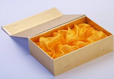 化妆品包装盒设计与艺术纸的合理运用